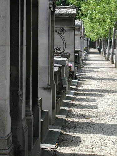 Life is Short – Pere Lachaise Cemetery, Paris